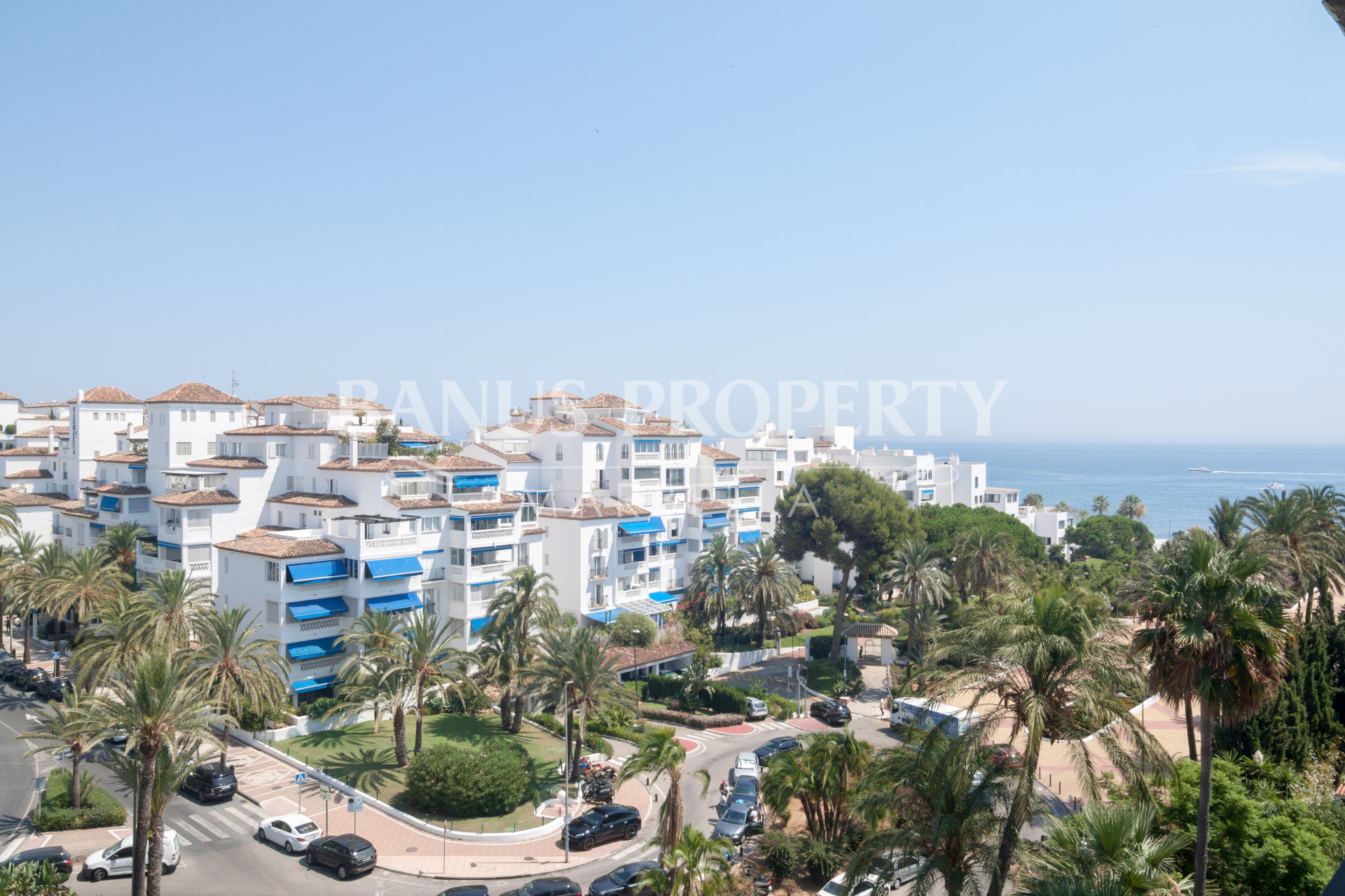 Three-bedroom, sixth floor apartment for rent in Medina Garden, Puerto Banús