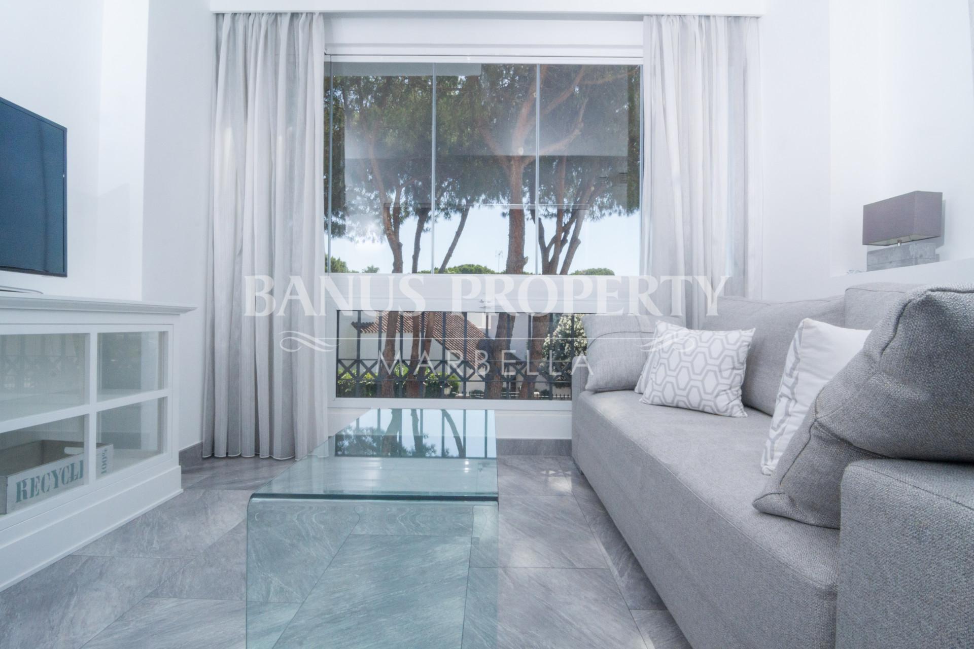 Renovated modern first floor studio apartment for sale in Medina Garden, Puerto Banús