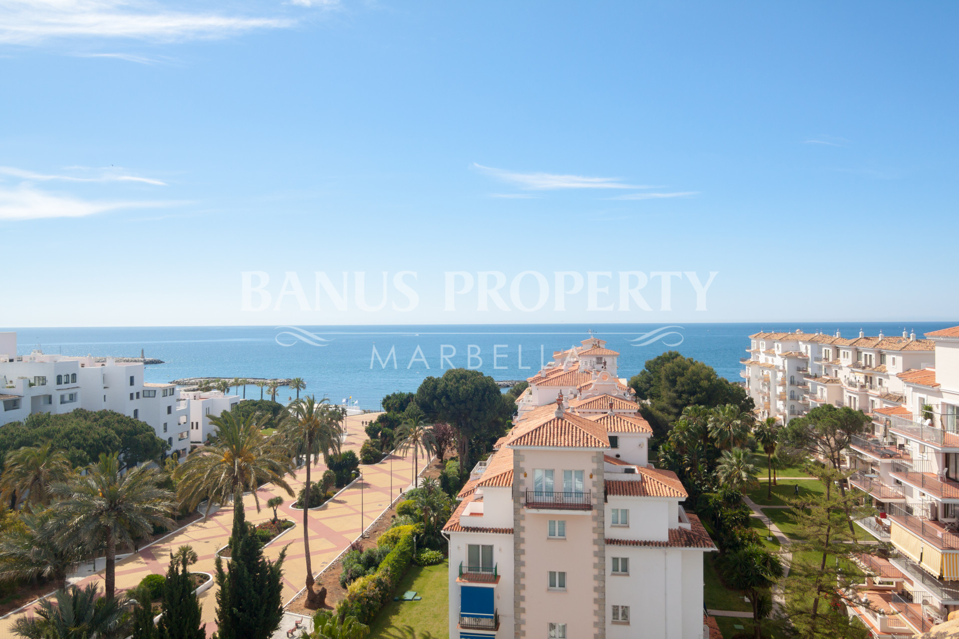 Superb three-bedroom penthouse with spectacular sea views for sale in Medina Garden, Puerto Banús