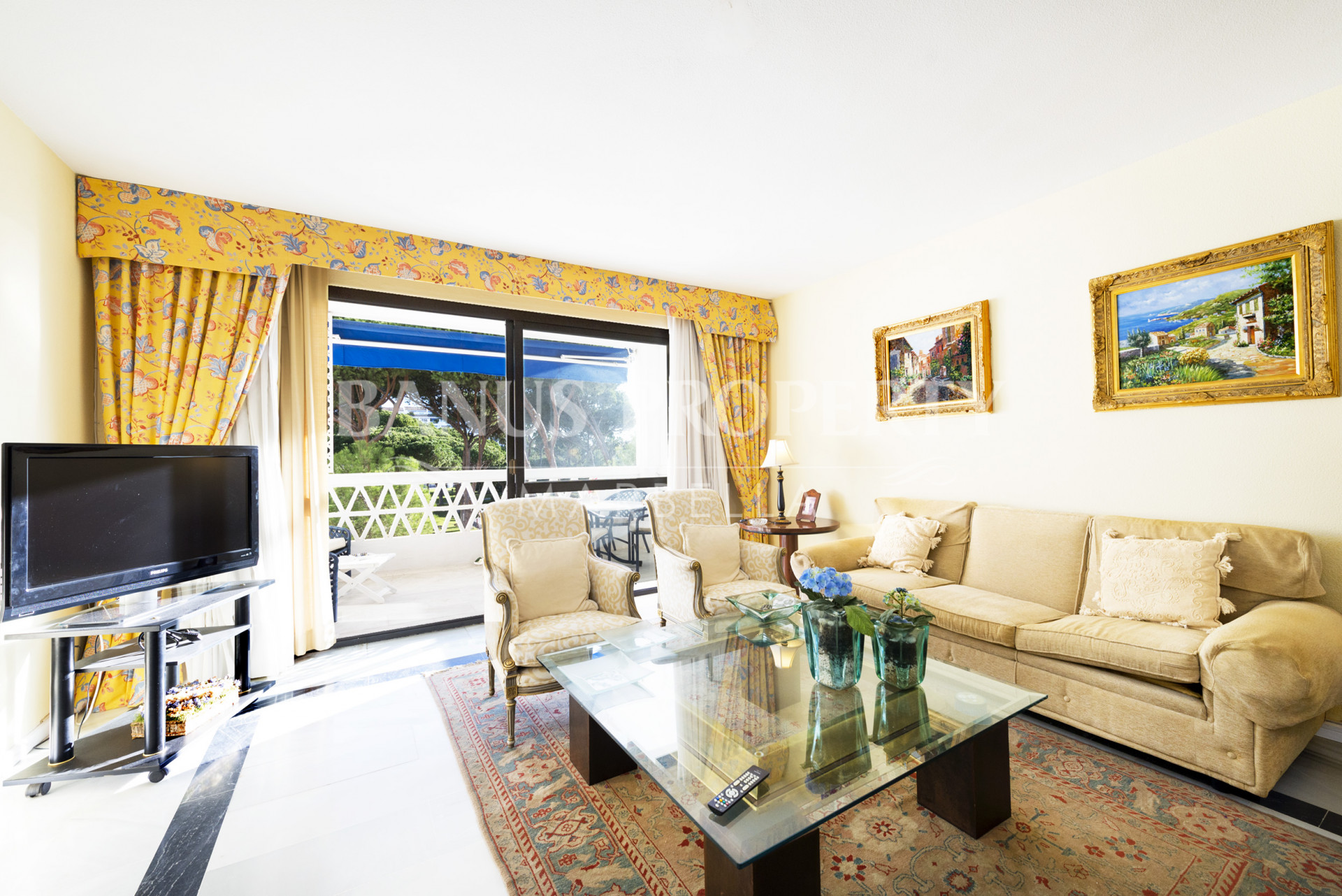 2 bedroom apartment for sale in  Playas del Duque, Puerto Banús