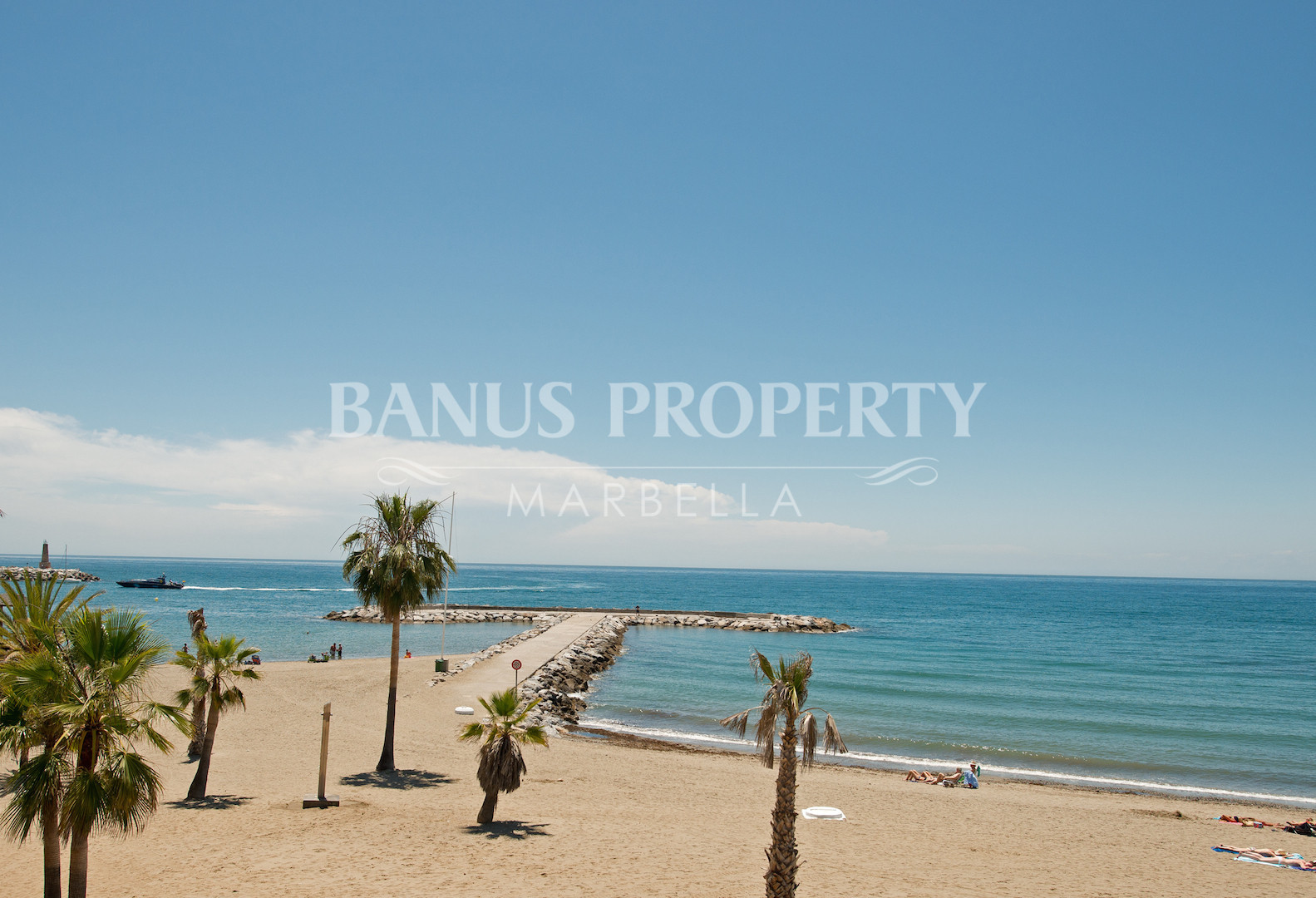 3 Bed Apartment in The Frontline Beach  of Playas del Duque- Puerto Banus