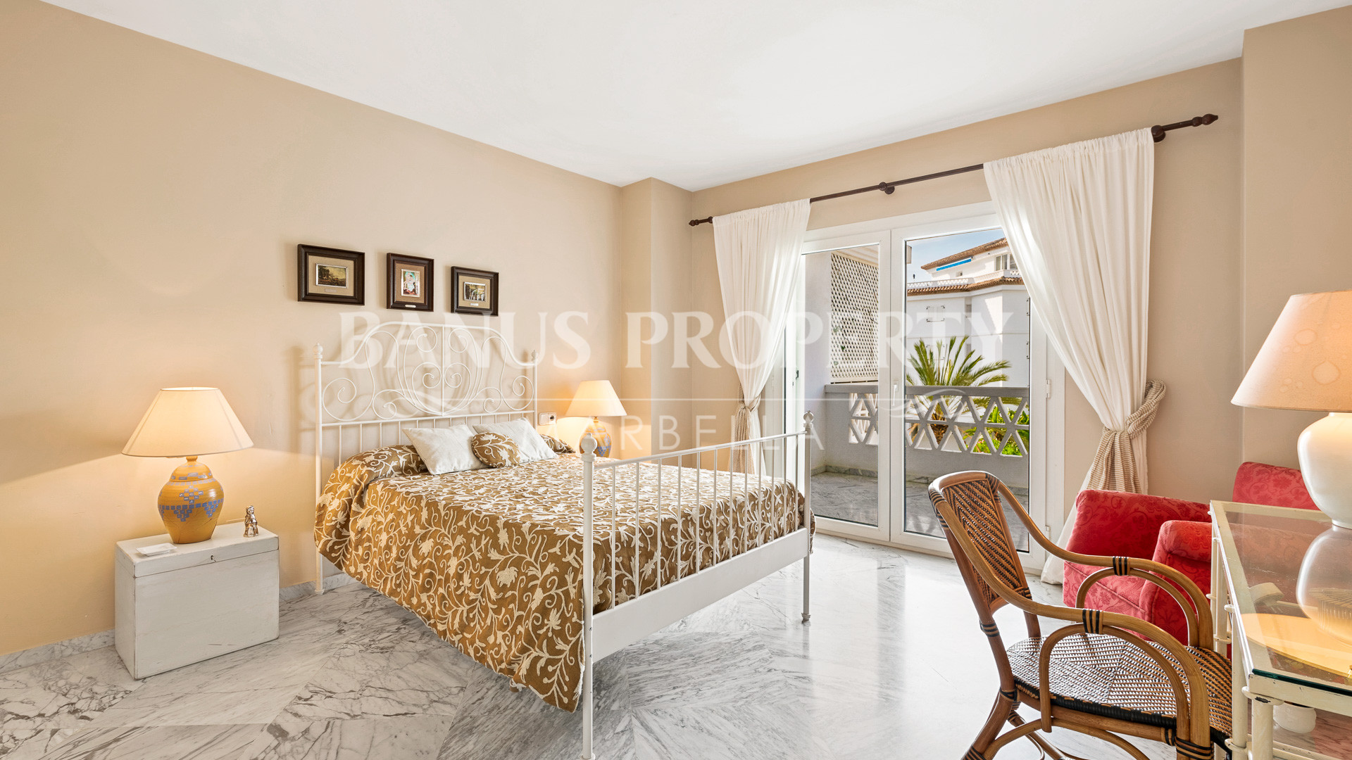 2 Bed Apartment in the ultra-luxurious Beach front Residential Playas del Duque- Puerto Banus