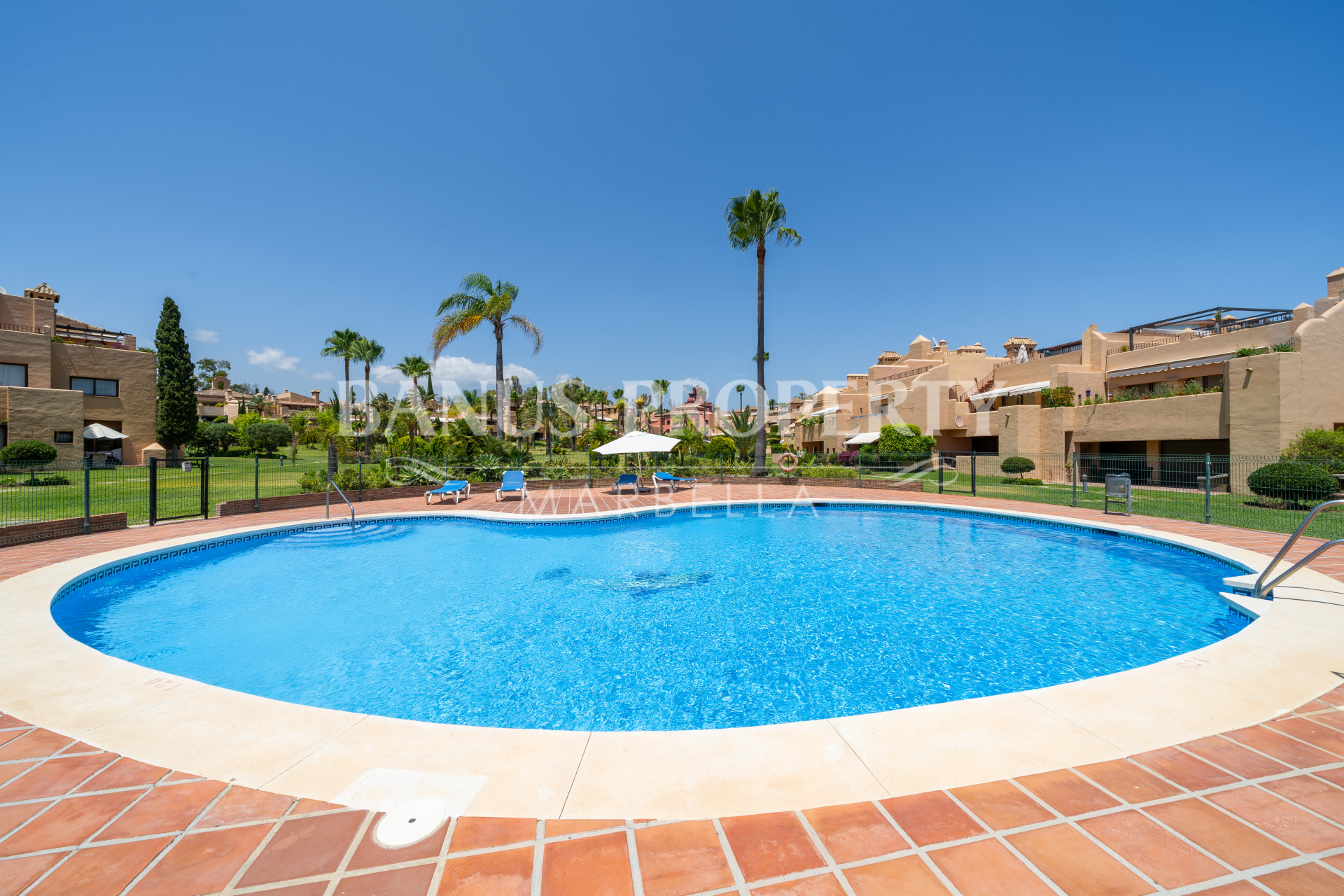 Lovely south facing 3-bed apartment  in La Cartuja urbanization- Estepona