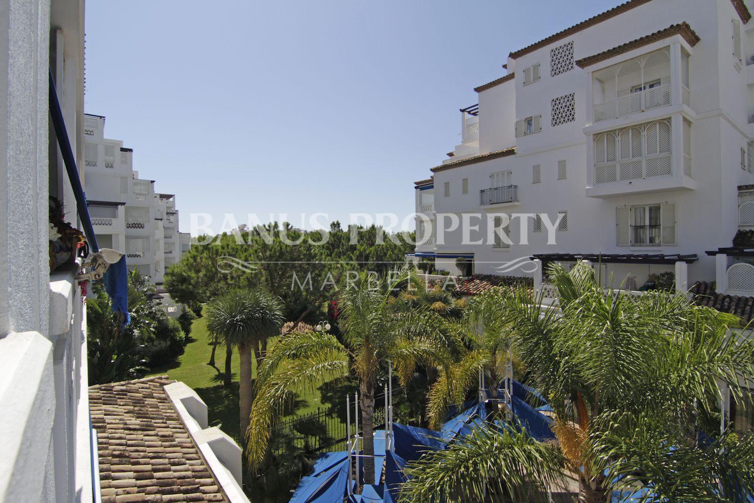 Spacious 3 bedroom 2nd floor luxury apartment for sale in Playas del Duque Puerto Banus