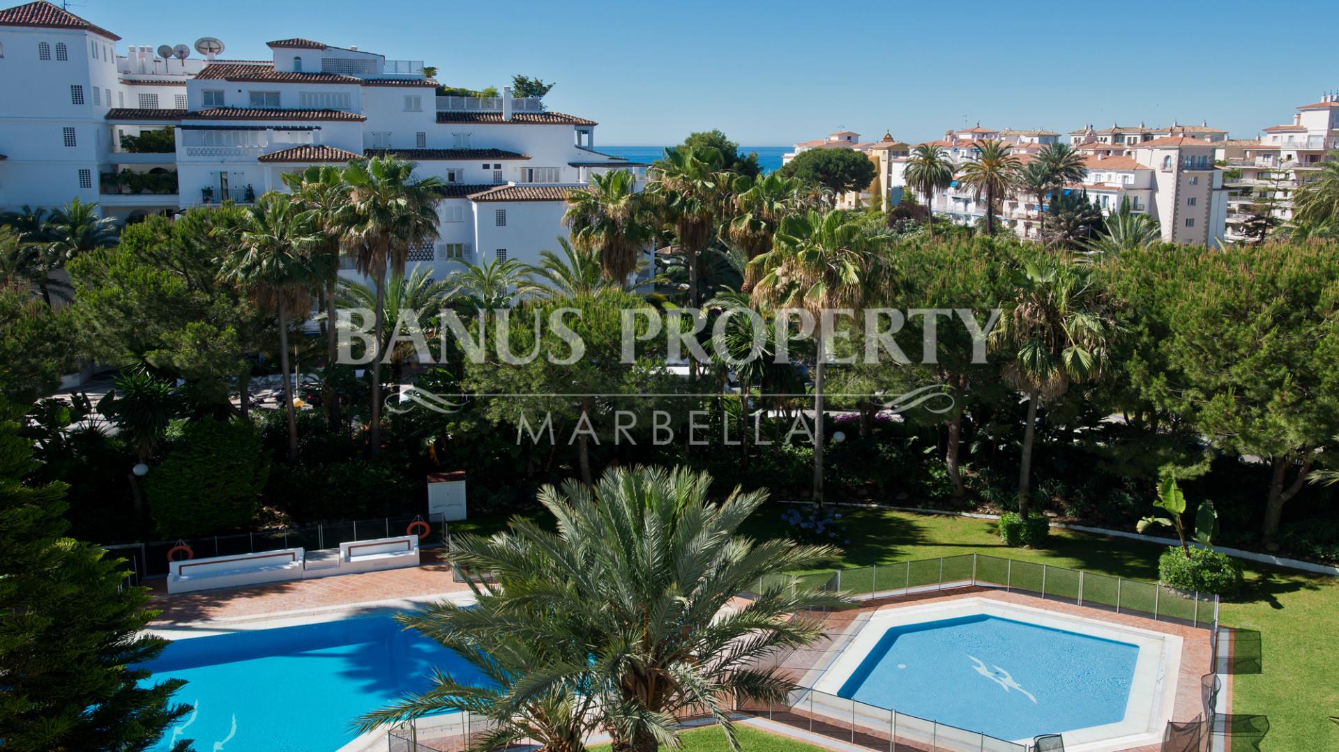 3 bedroom luxury apartment for sale in Las Gaviotas, Puerto Banus