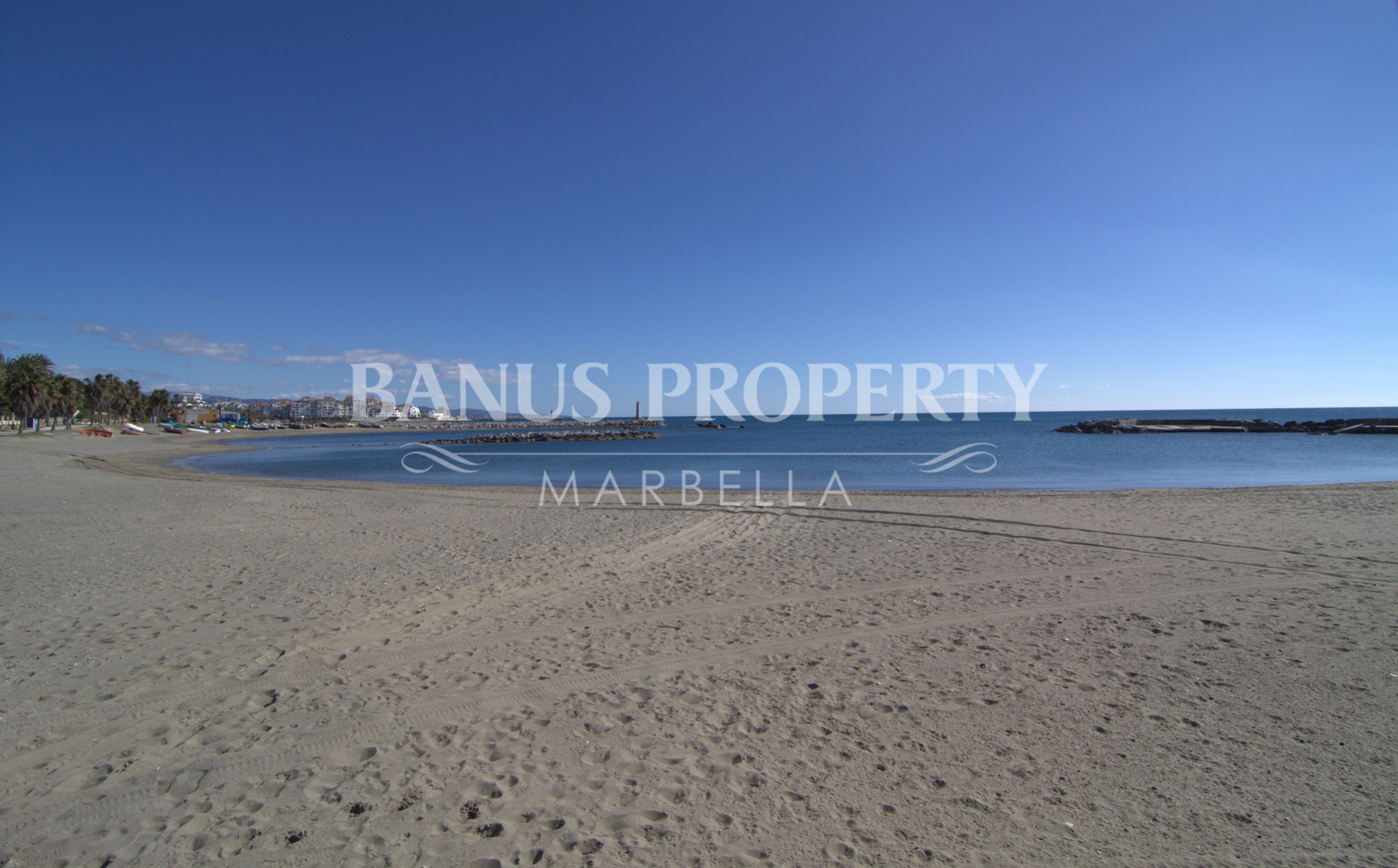 2 bedroom ground floor apartment for sale by the beach in Casa Nova Puerto Banus