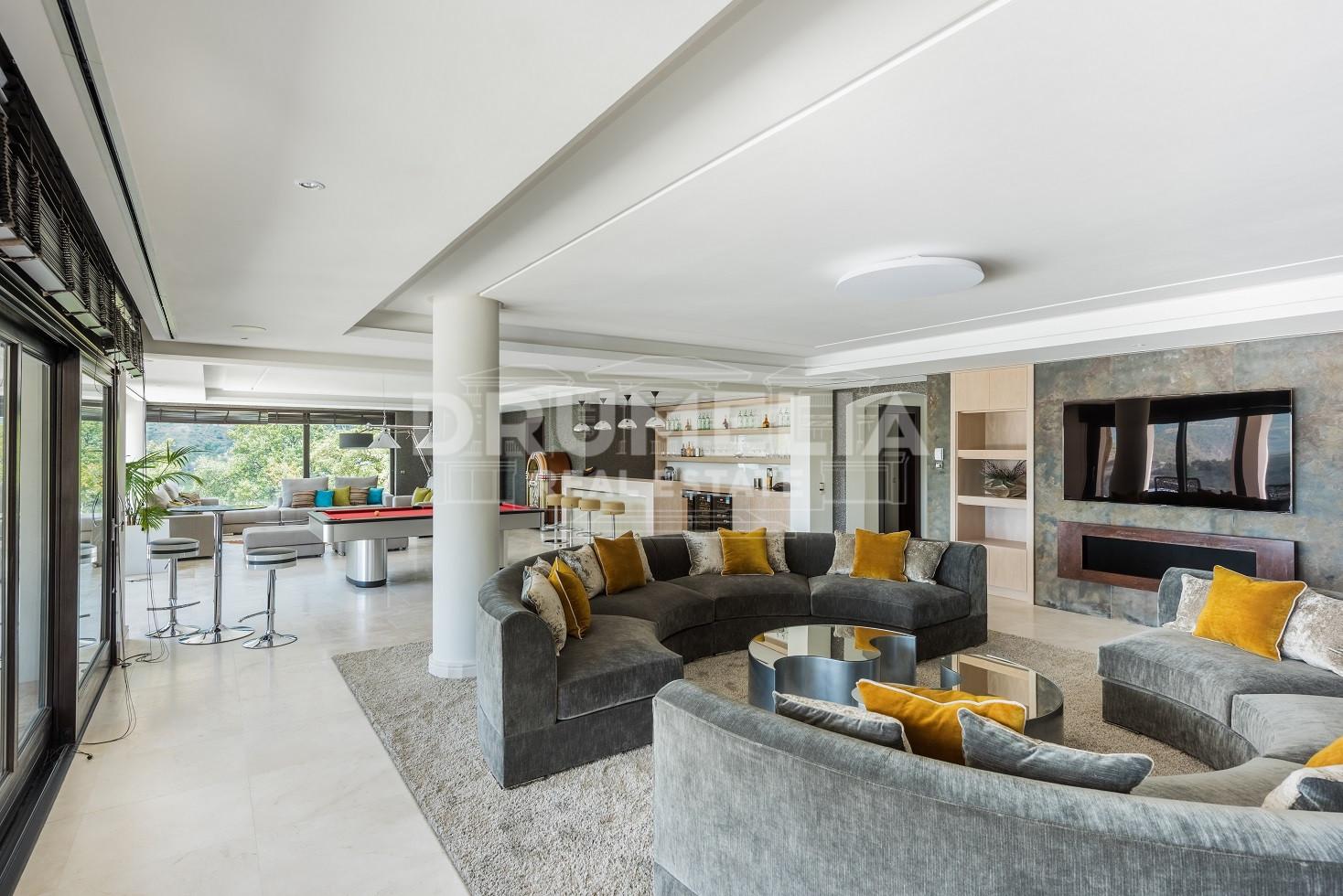Fabulosa villa elegante en la zagaleta benahavis for Villa elegante