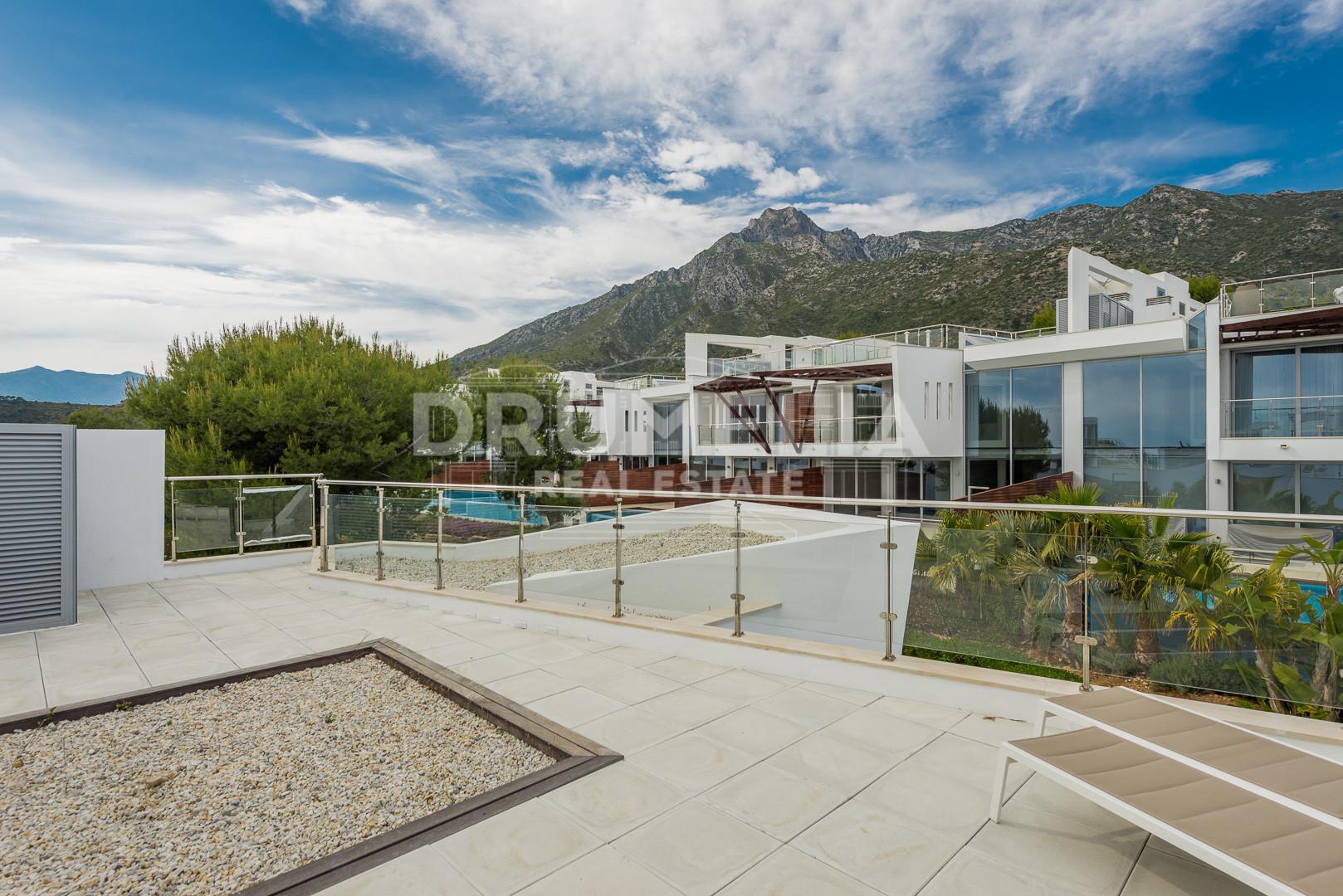 Pareada villa elegante moderna en sierra blanca milla de for Villa elegante