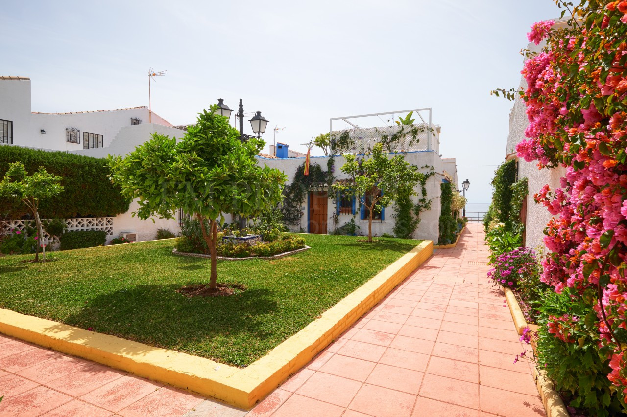 Photo Gallery - Fully renovated townhouse next to the beach