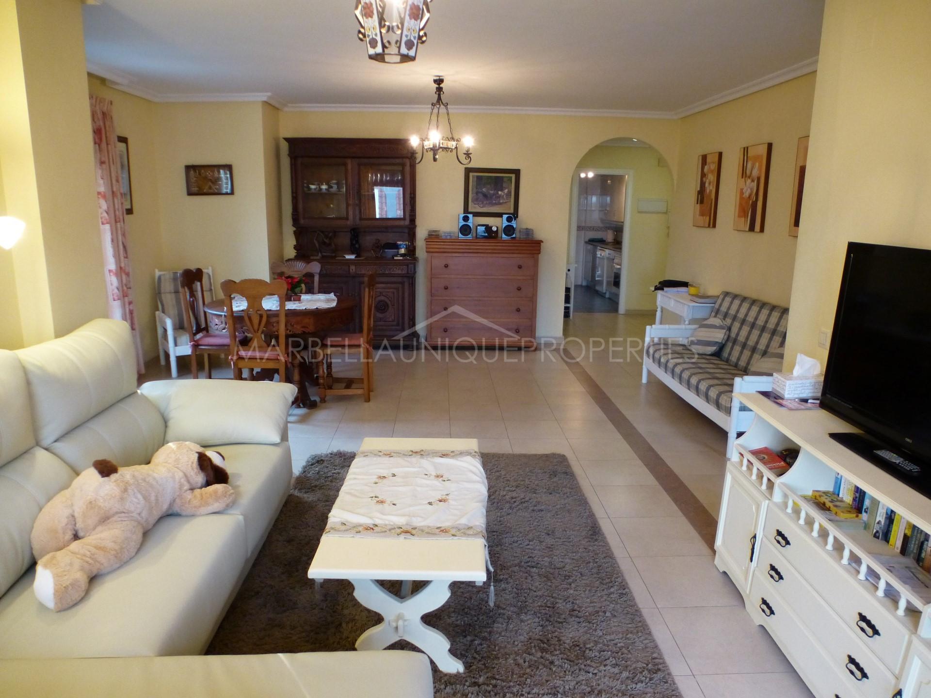 la apartments 2 bedroom.  Lovely 2 bedroom apartment in La Maestranza Nueva Andalucia