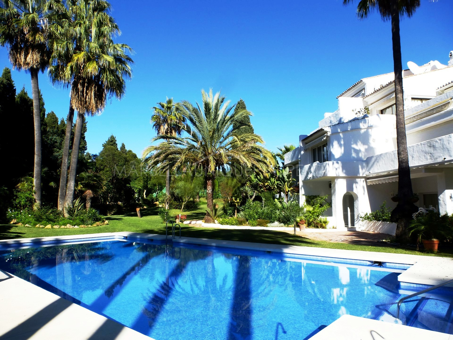 Properties rent in jardines de las fuentes marbella for Jardines del puerto puerto banus