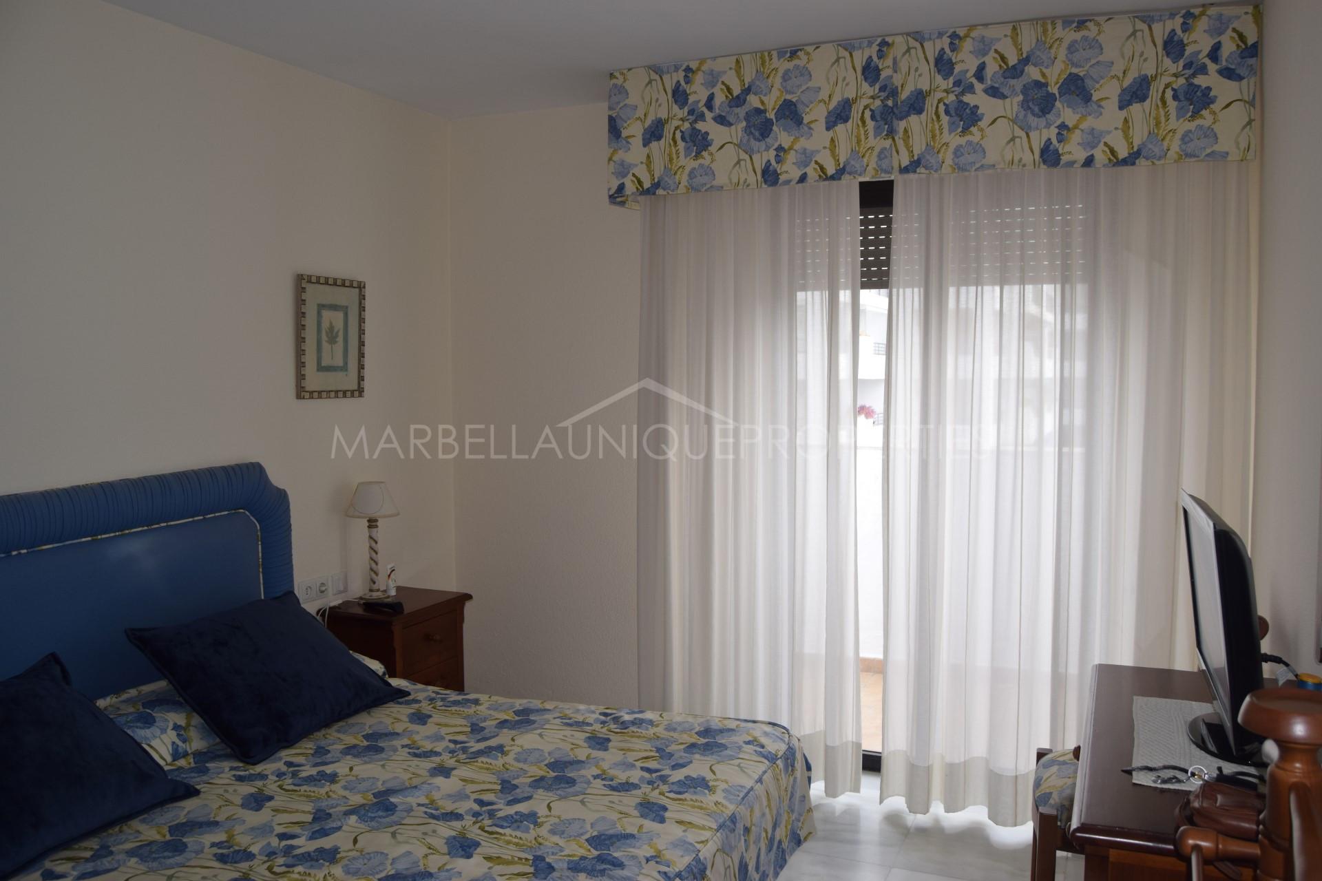 Appartement en vente jardines del puerto marbella for Jardines del puerto puerto banus