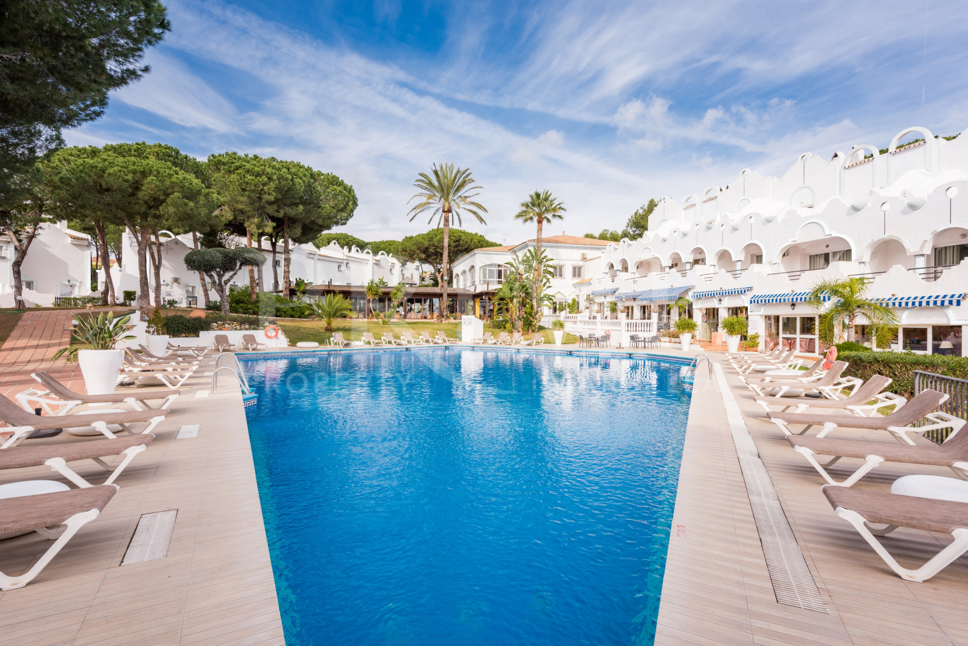 New Resort with 1 & 2 Bed Apartments in Marbella