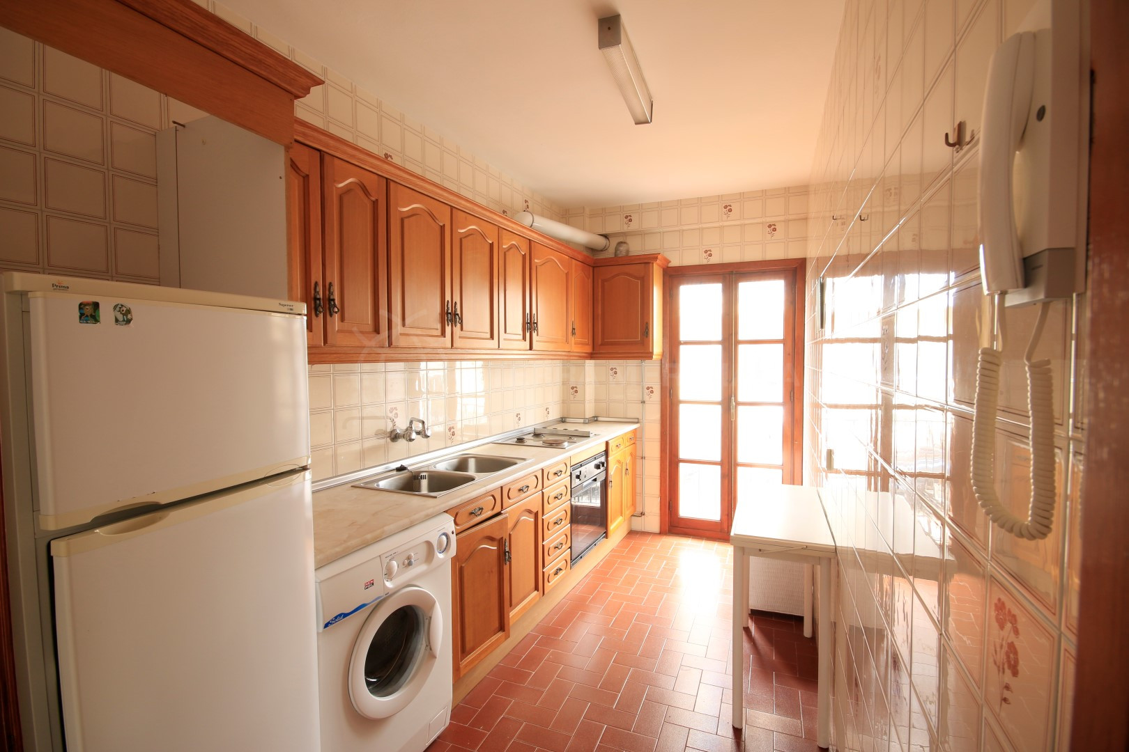2 bedroom apartment for sale in the centre of estepona old for Kitchen room estepona