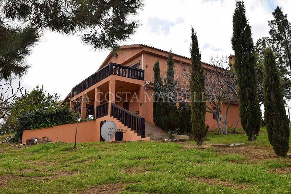 Country Housefor sale in