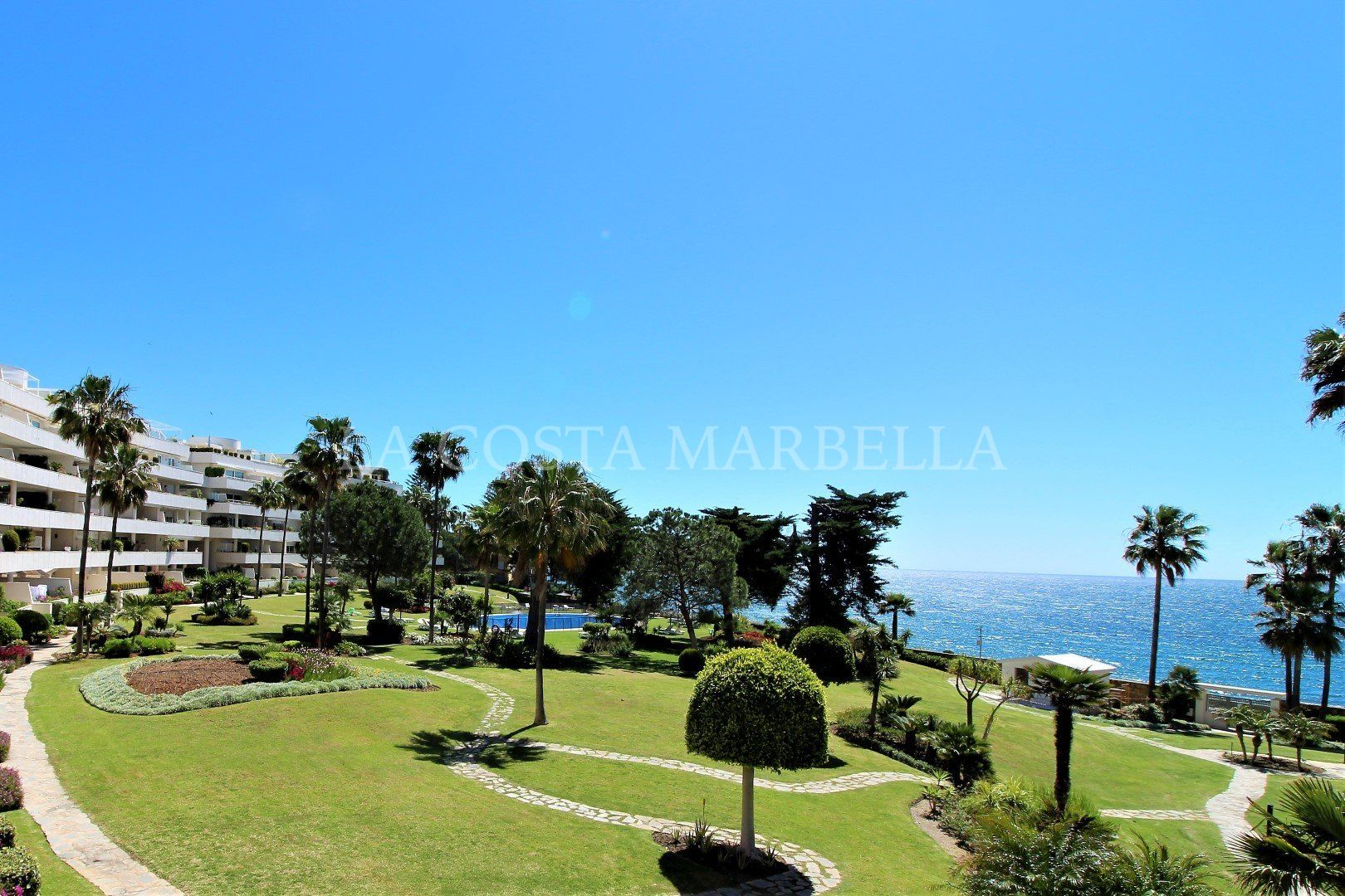 Apartment for sale in Los Granados Playa, Estepona