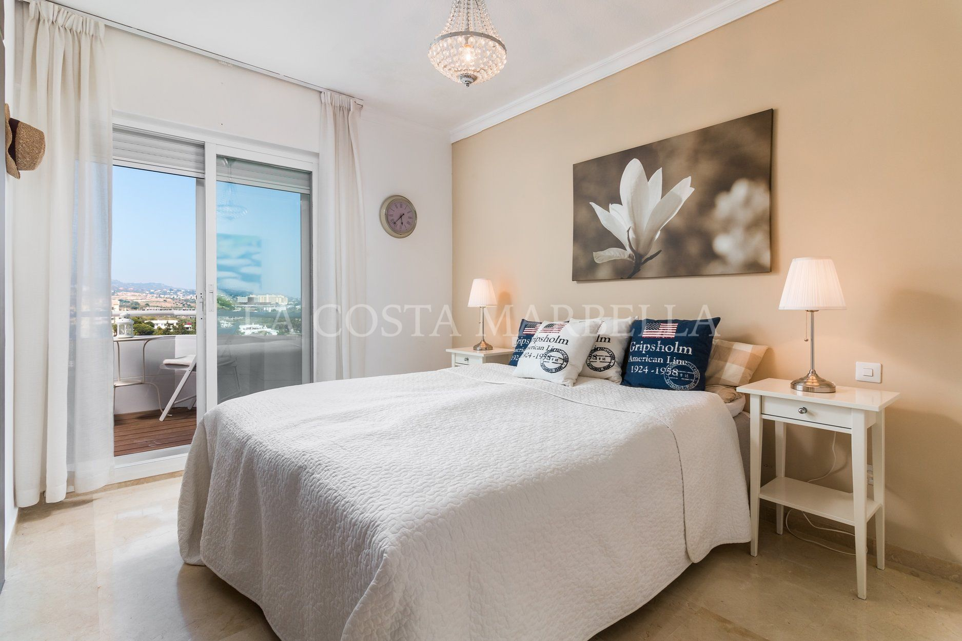 Penthouse for sale in Rio Real, Marbella East