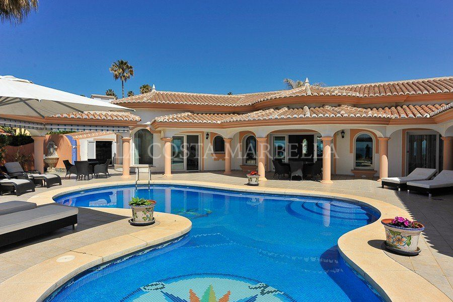 Villa for sale in El Faro, Mijas Costa