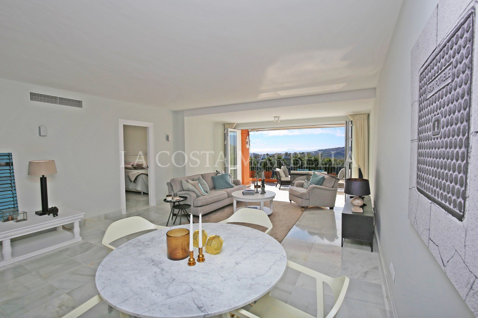 Apartment for sale in Monte Halcones, Benahavis