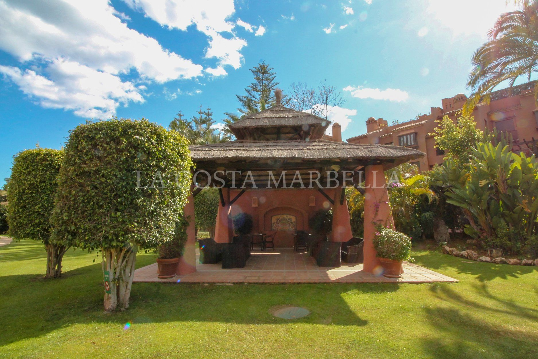 Apartment for sale in Alhambra los Granados, Estepona