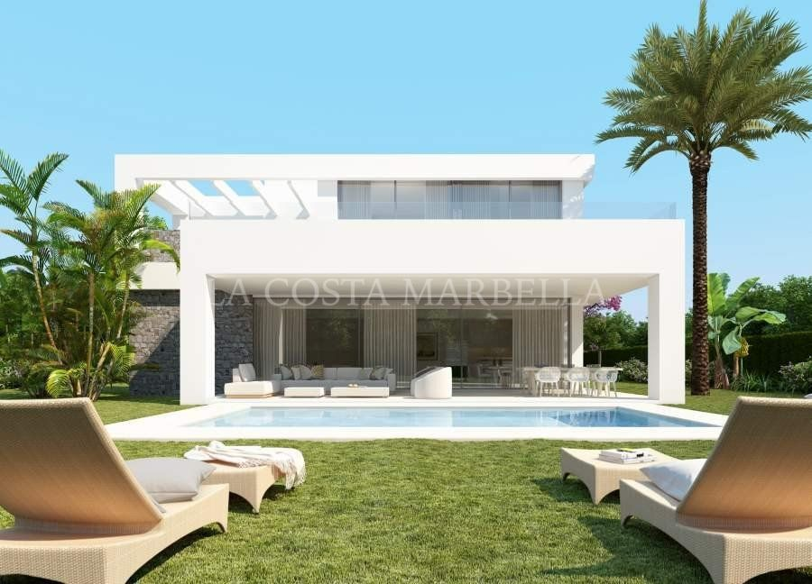 Town House for sale in Rio Real, Marbella East