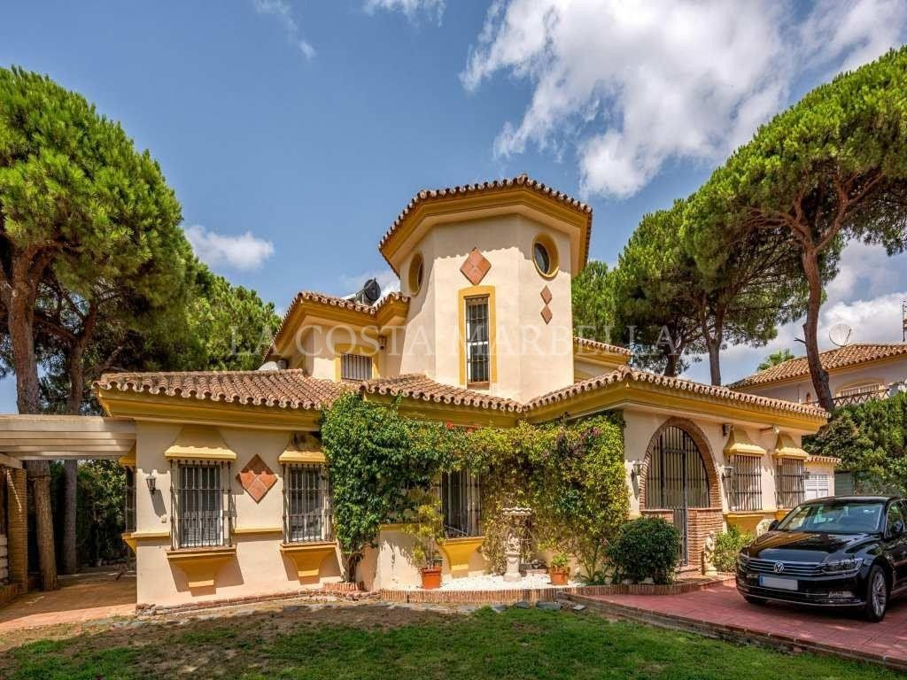 Villafor sale in