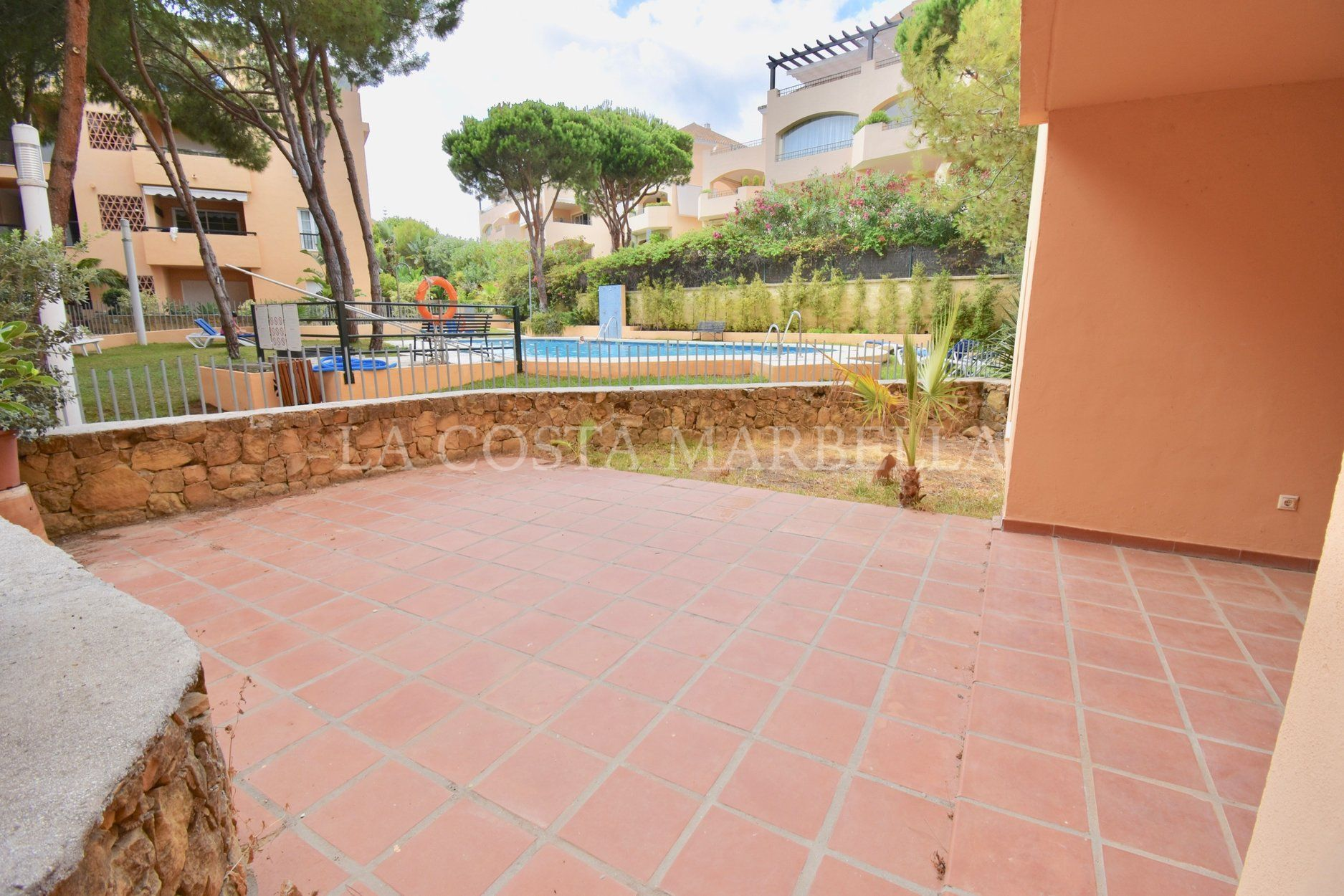 Apartment for sale in Elviria, Marbella East