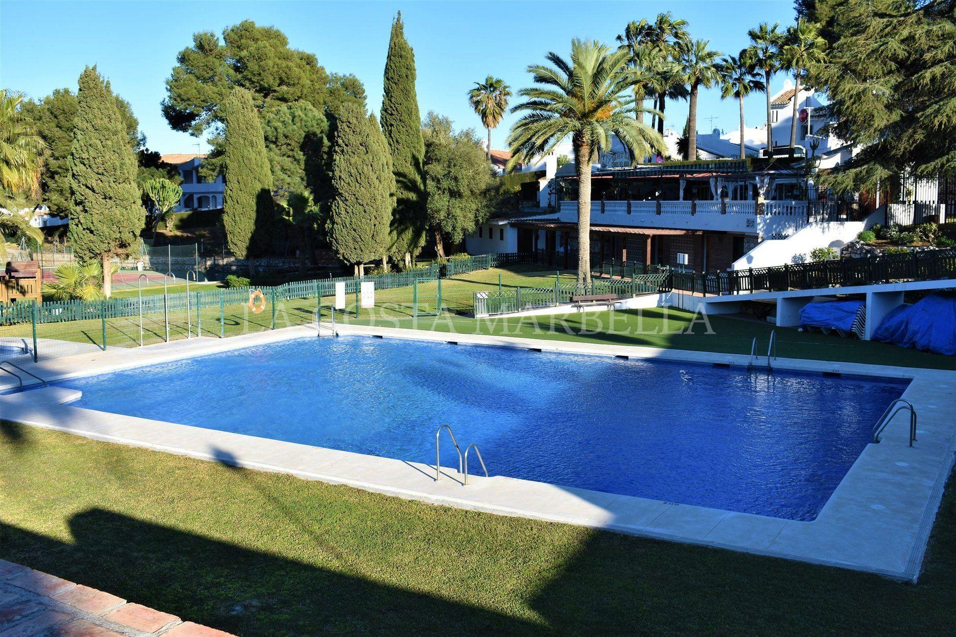 Villa en venta en cerros del aguila mijas costa - Costa muebles mijas ...