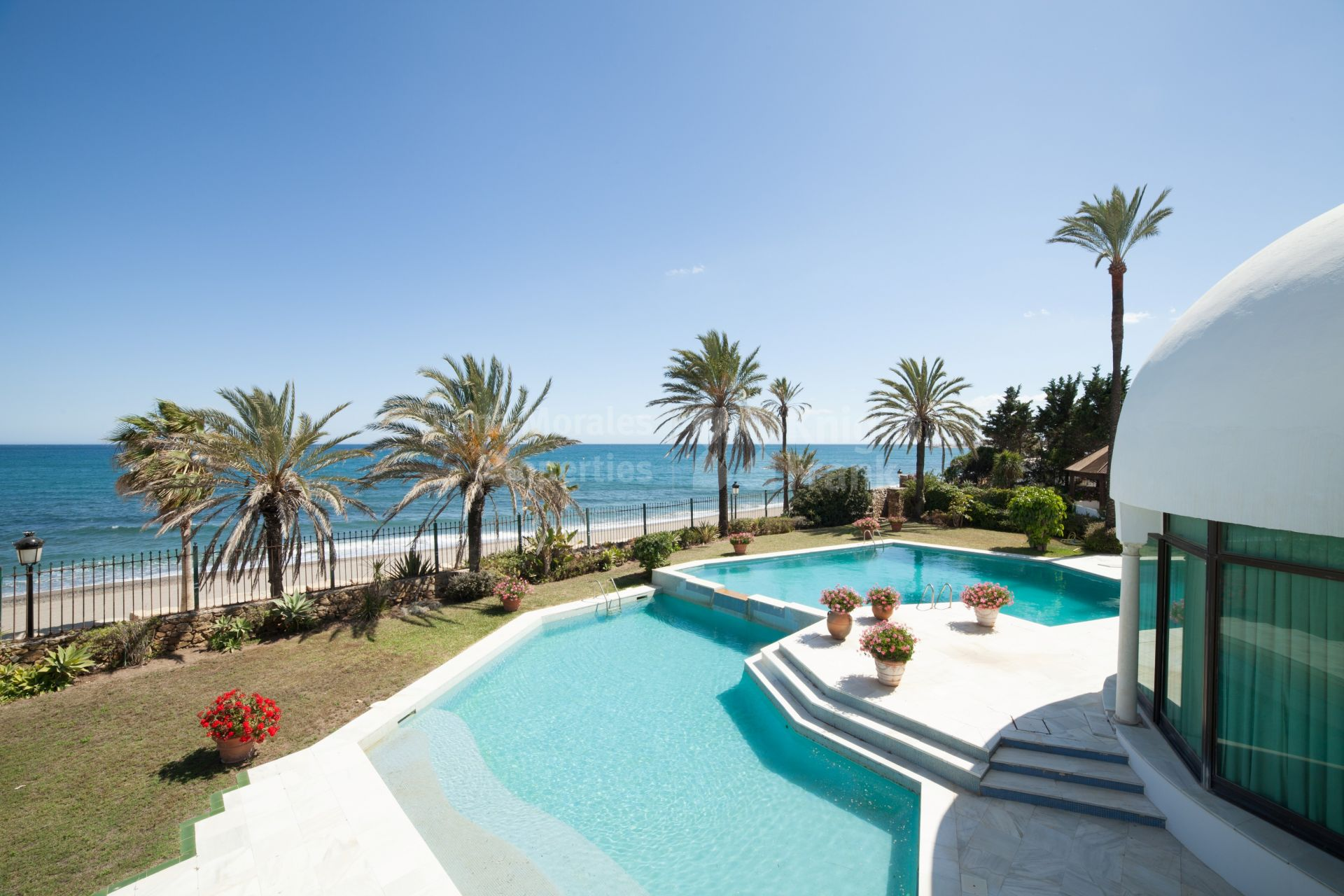 Luxury villas for sale in beach side golden mile marbella - Iproperty marbella ...