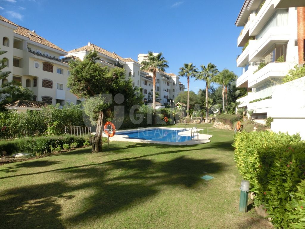 Apartment , Elviria Playa, Marbella East