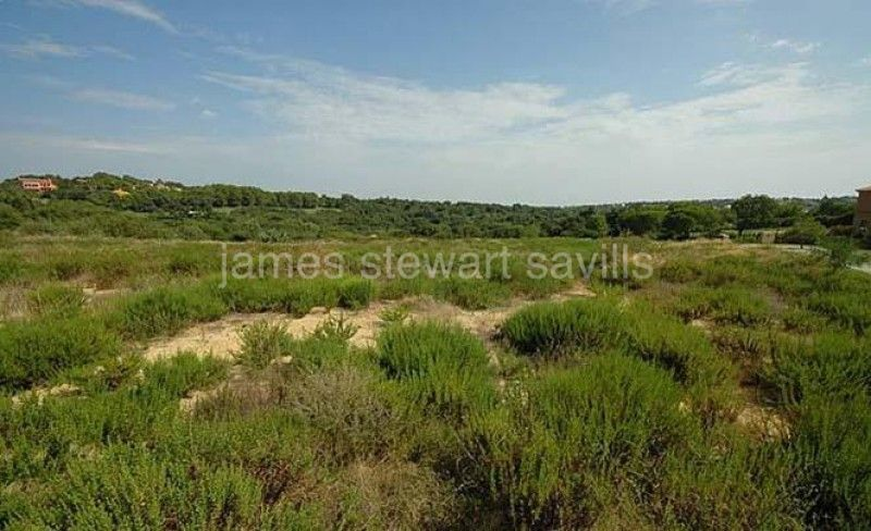 Plot for sale in Almenara, Sotogrande