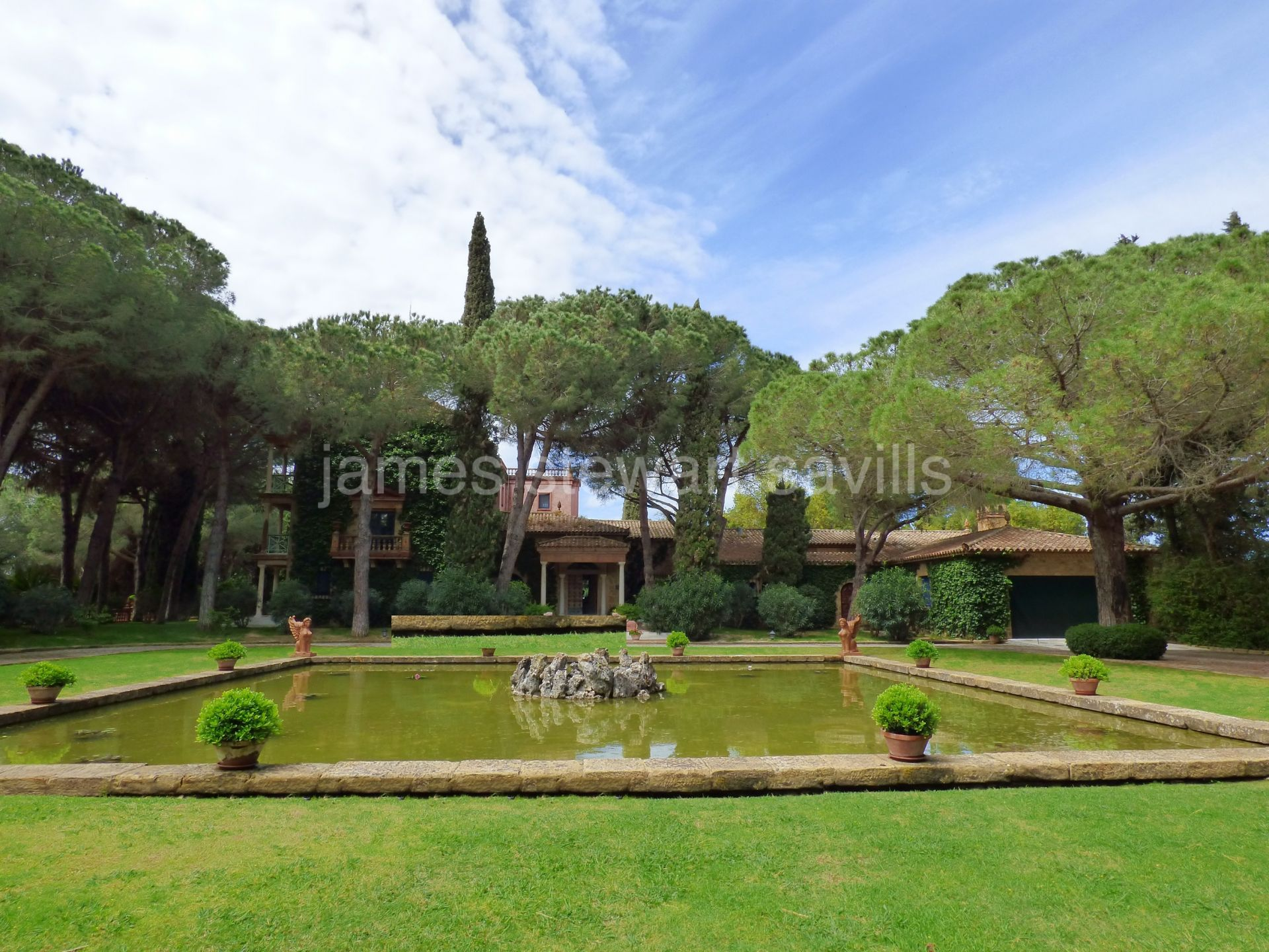 Unique Building for sale in Sotogrande