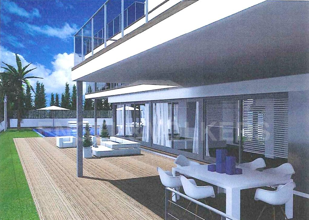 Beachside plot with project for modern villa in Los Monteros, Los Monteros