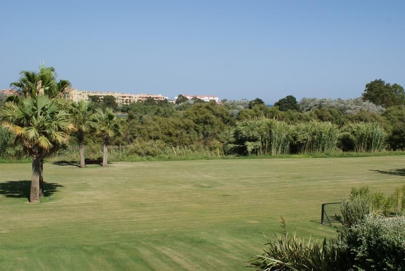 Spacious 1st floor apartment for sale with lovely river - Polo gardens sotogrande ...