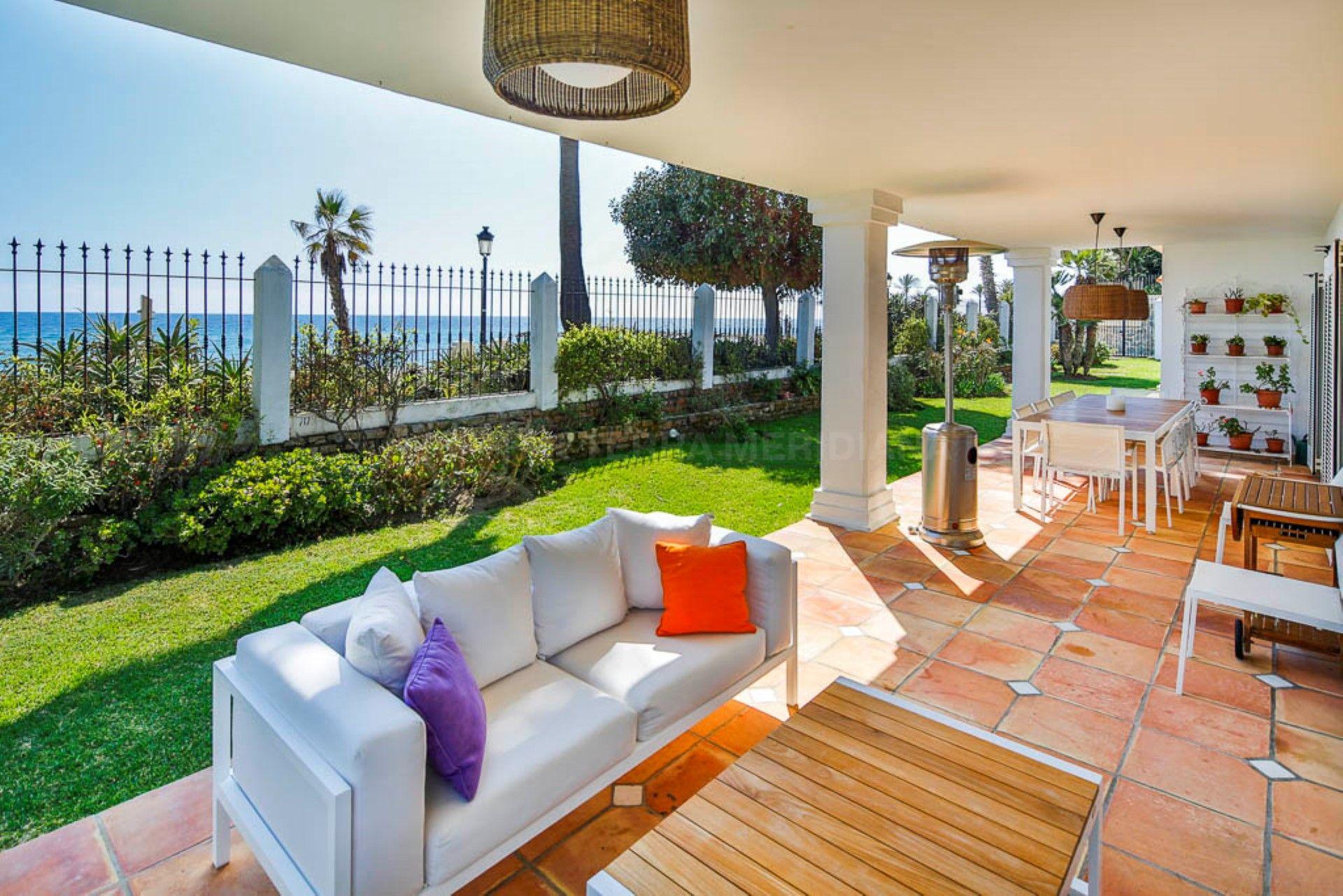 frontline villa for sale on the golden mile steps from puente romano marbella. Black Bedroom Furniture Sets. Home Design Ideas