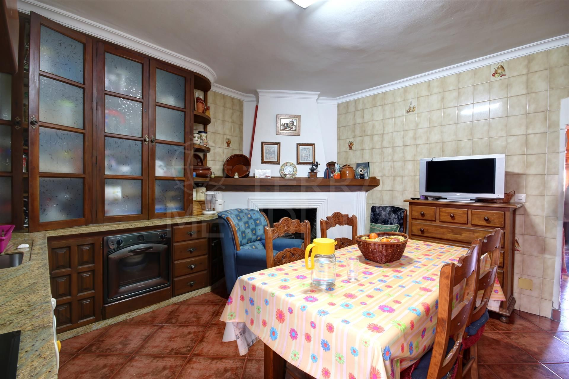 Townhouse for sale in great location in the old town of Estepona, very close to the beach