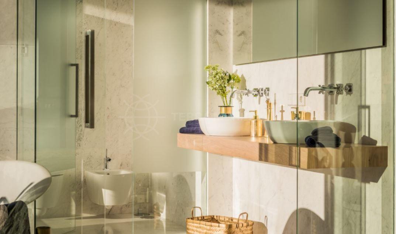 Exclusiva villa contempor nea en venta en las brisas - La sala nueva andalucia ...