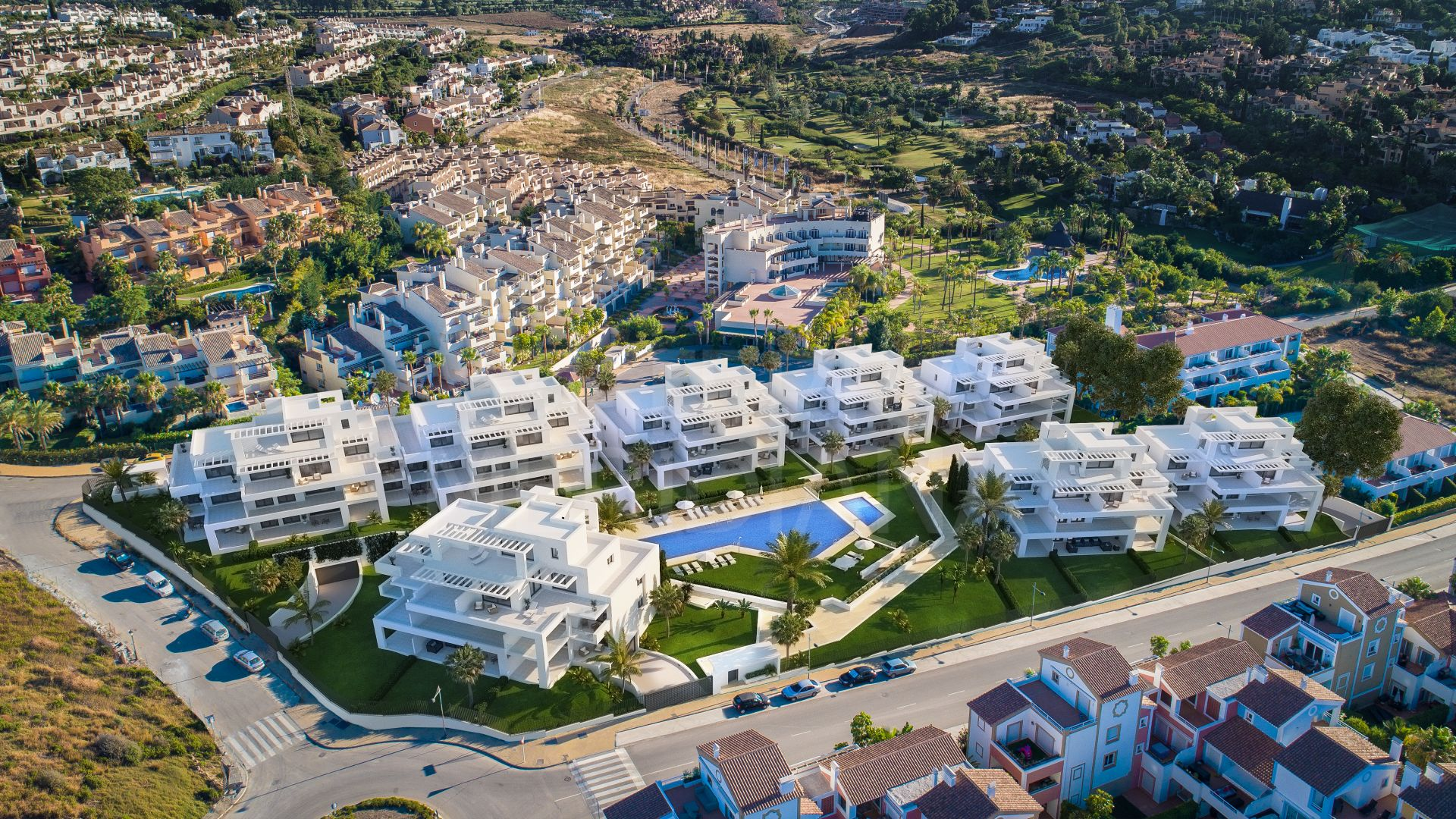 Contemporary ground floor apartment for sale in Cortijo del Golf in El Campanario, Estepona