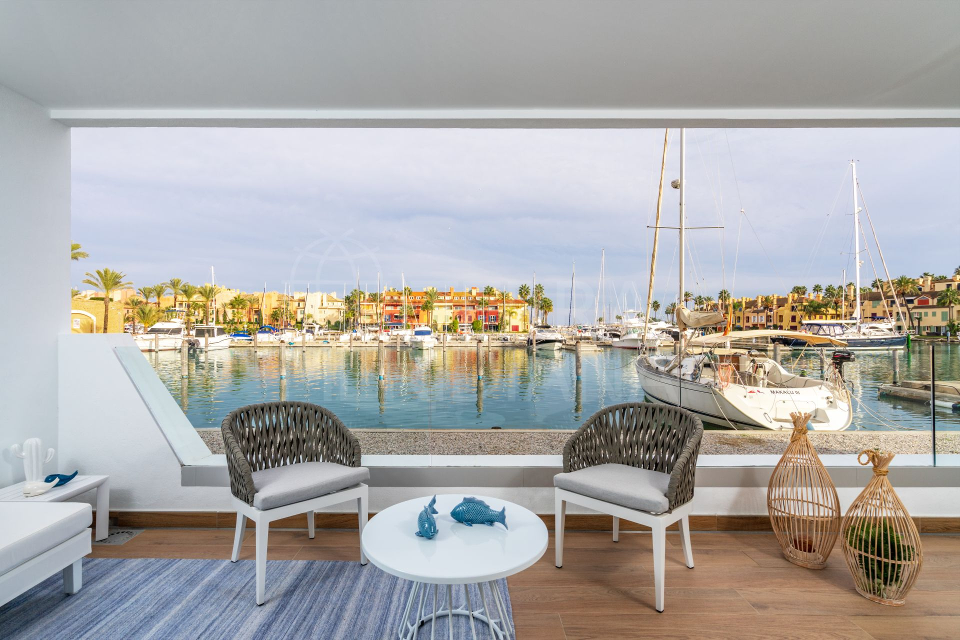 Apartment with superb views of the marina for sale in the privileged PIER, Sotogrande