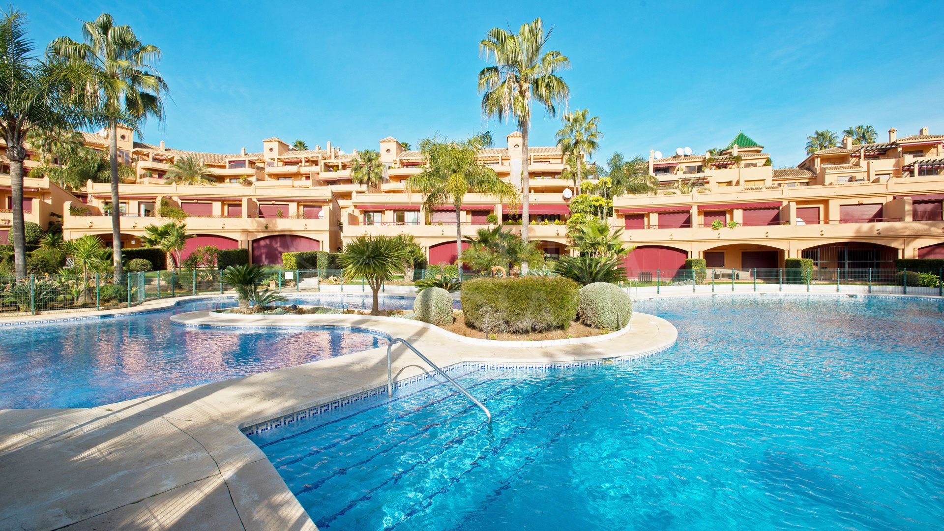 Magnificent 5 bedroom Luxury Apartment for sale in Estepona