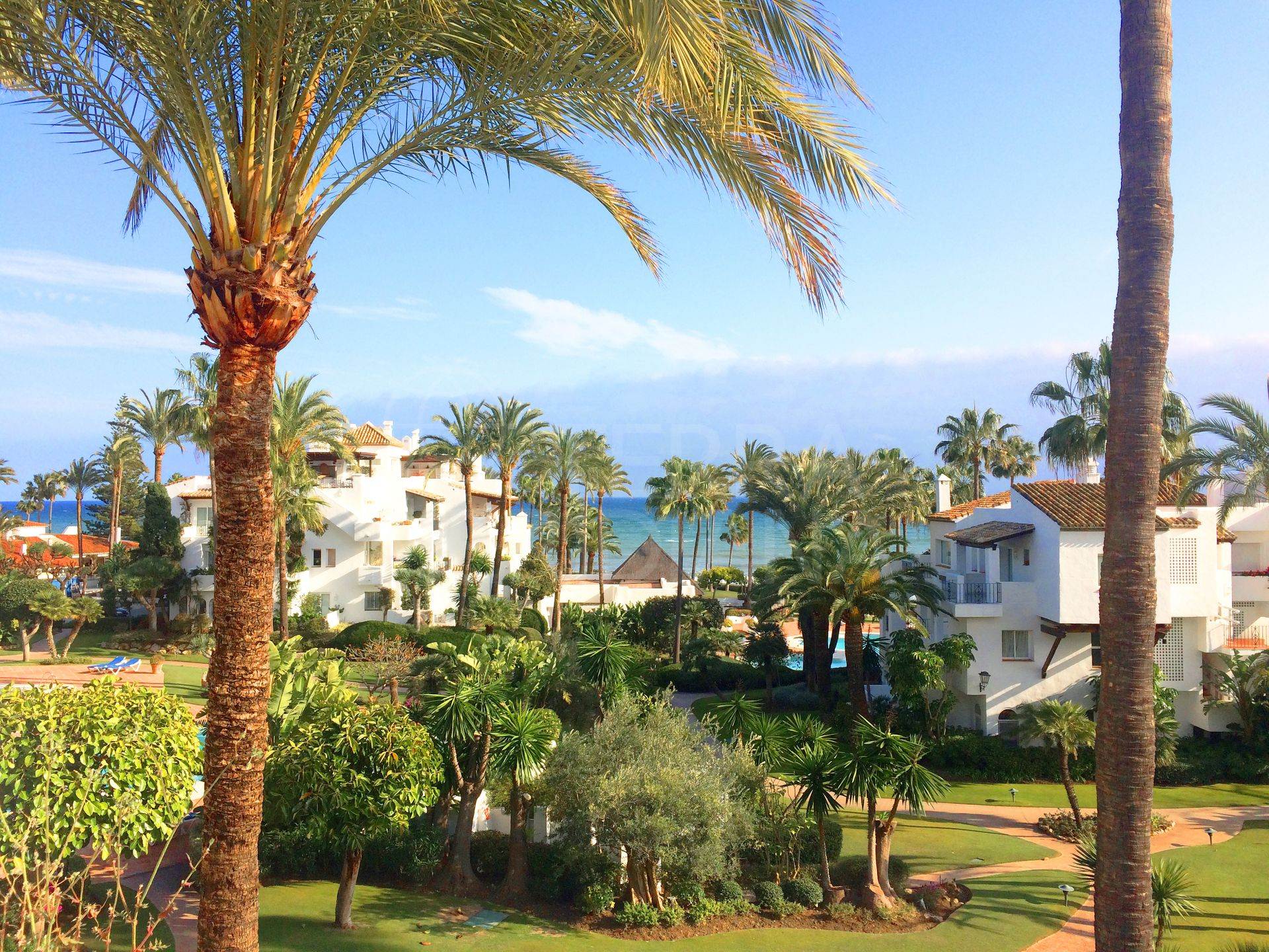 Stunning 3 bedroom penthouse apartment for sale in Alcazaba Beach, Estepona