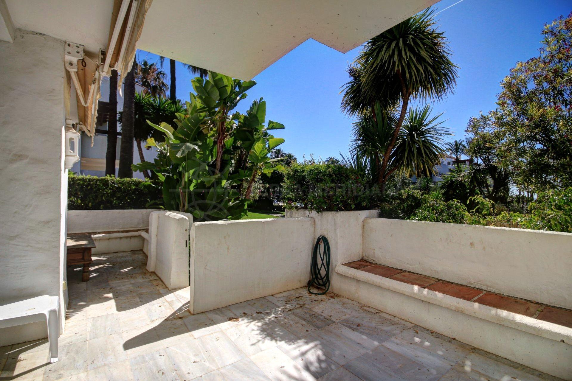 appartement rez de chauss e vendre alcazaba beach estepona. Black Bedroom Furniture Sets. Home Design Ideas
