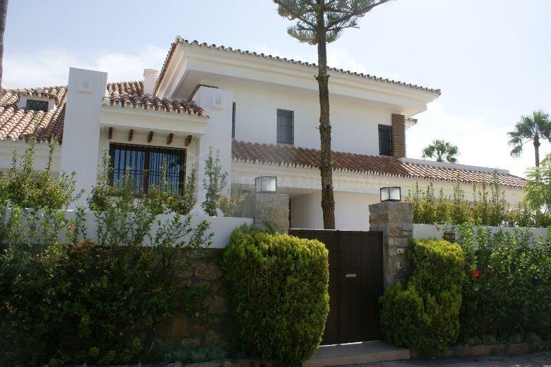 Villa en venta en la pera nueva andalucia - La sala nueva andalucia ...