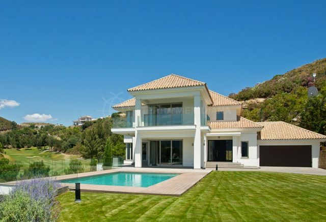 Brand new elegant villa for sale in marbella club golf resort panoramic mountain and sea views with private pool