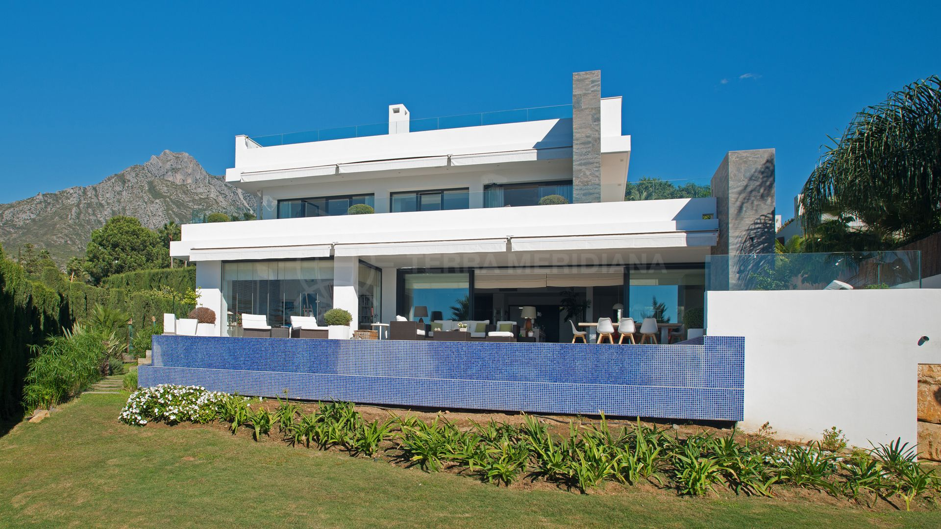 Stunning New Build Modern Villa For Sale In Nagueles With
