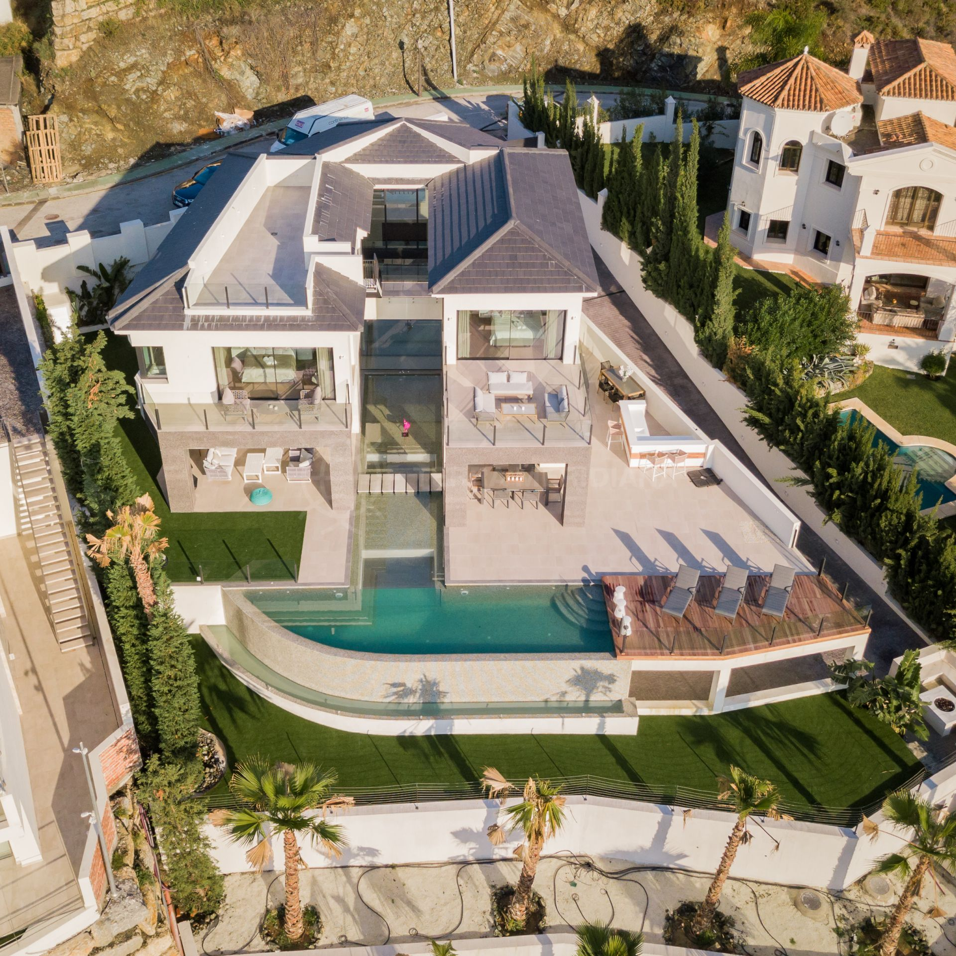 12e032c4c New luxury 6 bedroom villa for sale in Lomas de La Quinta, with mountain,  golf and sea views