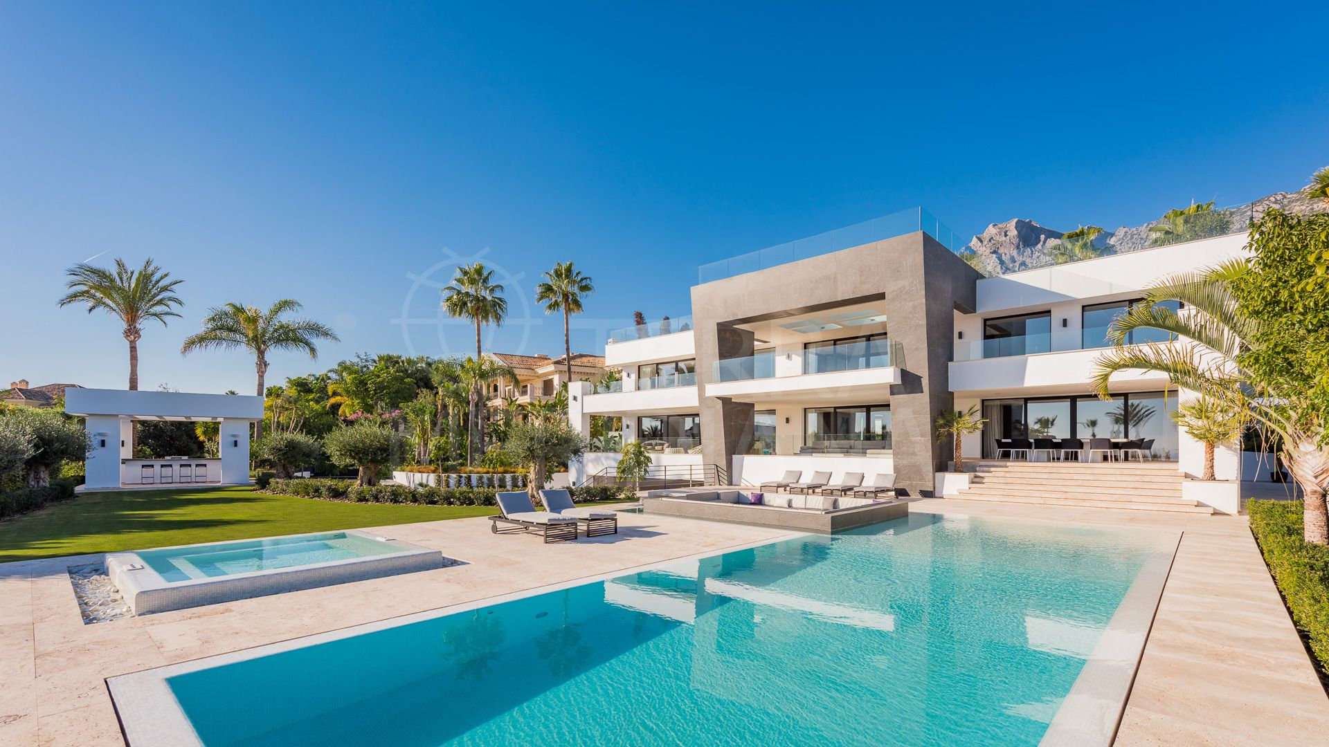 Stunning modern villa for sale in Sierra Blanca, Marbella Golden Mile