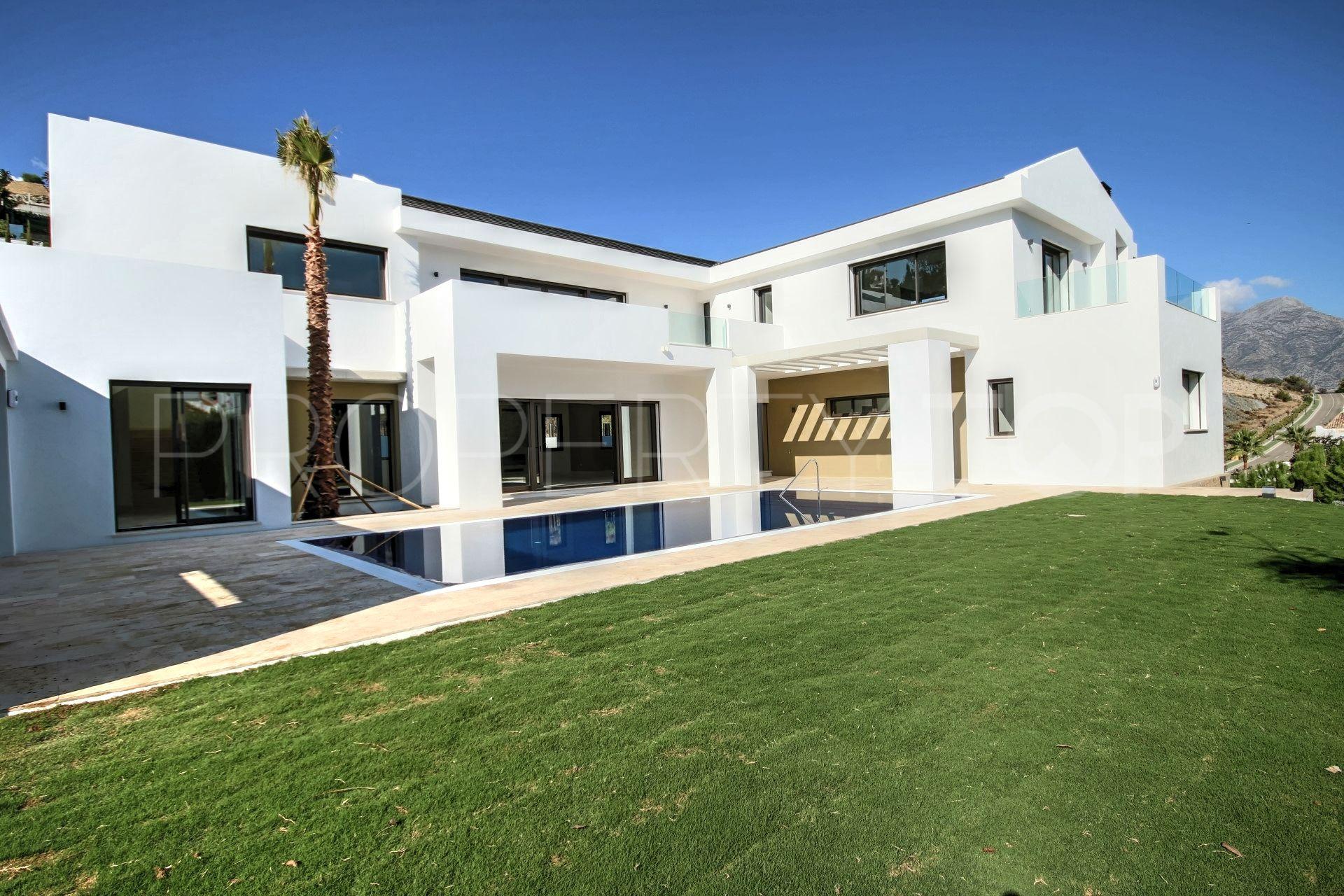 buy villa in la quinta terra meridiana. Black Bedroom Furniture Sets. Home Design Ideas