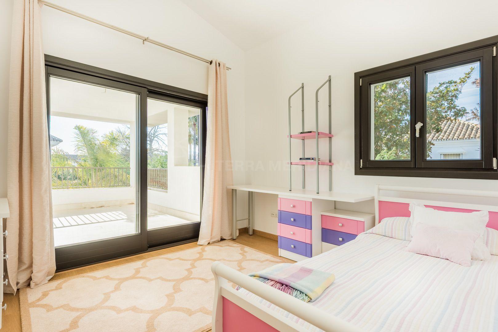 New 5 Bedroom Villa For Sale In Cortijo Blanco San Pedro De  # Muebles Haus San Pedro