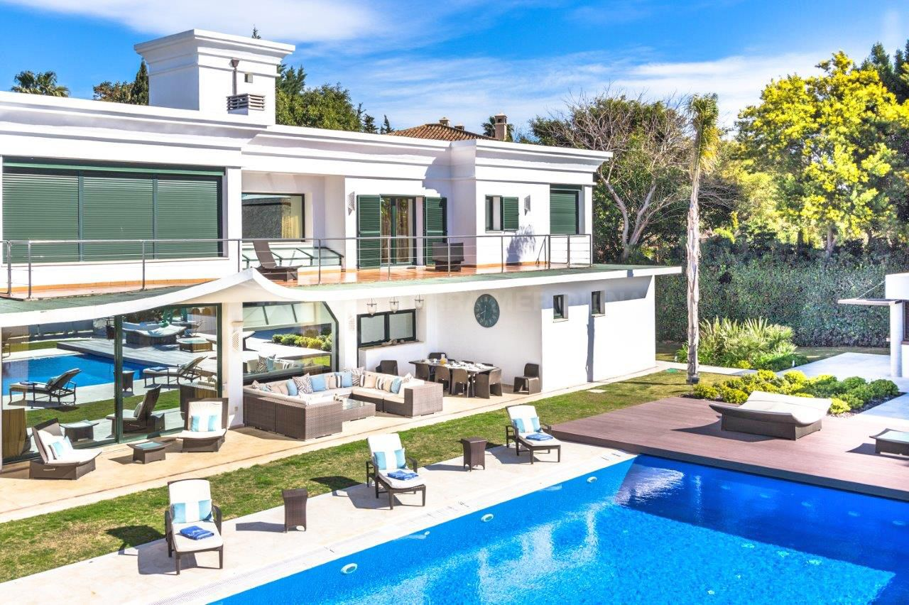 Beautiful Modern 6 Bedroom Villa For Sale In Sotogrande Alto With Private Pool Garage 10 Cars And Sea Views